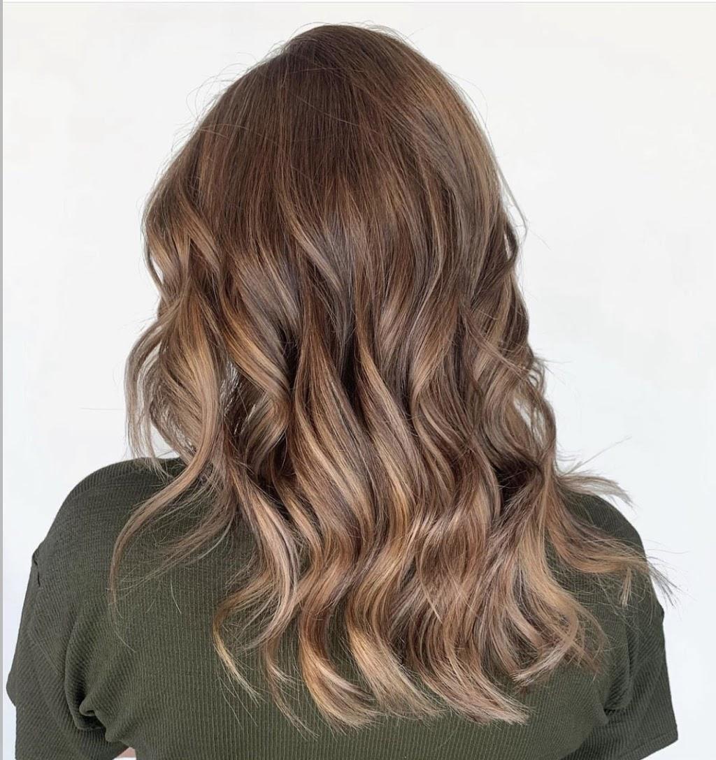 Evolve Simply Beauty - hair care    Photo 5 of 10   Address: 4590 N Maize Rd #8, Maize, KS 67101, USA   Phone: (316) 927-2400