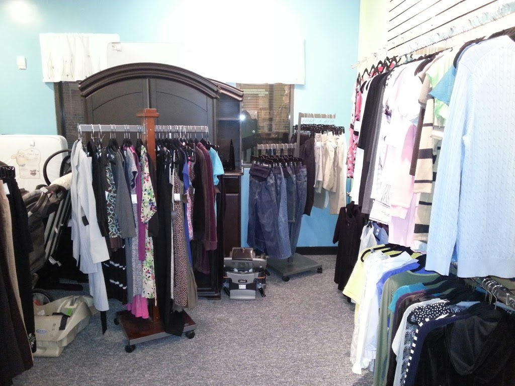 Iddy Biddy Fashions - clothing store    Photo 6 of 8   Address: 2000 Park Pl Dr Suite 106, Washington, PA 15301, USA   Phone: (724) 470-9116