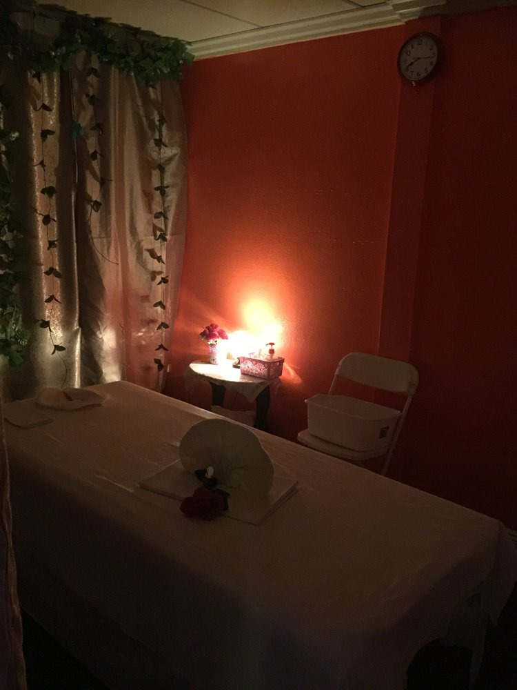 Step Foot Massage - spa  | Photo 2 of 5 | Address: 2801 W Ball Rd #3, Anaheim, CA 92804, USA | Phone: (714) 886-2683