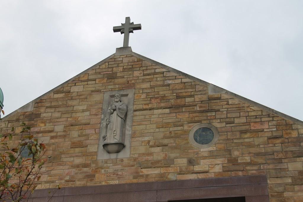 St Matthew Church - church    Photo 6 of 10   Address: 6021 Whittier Ave, Detroit, MI 48224, USA   Phone: (313) 884-4470