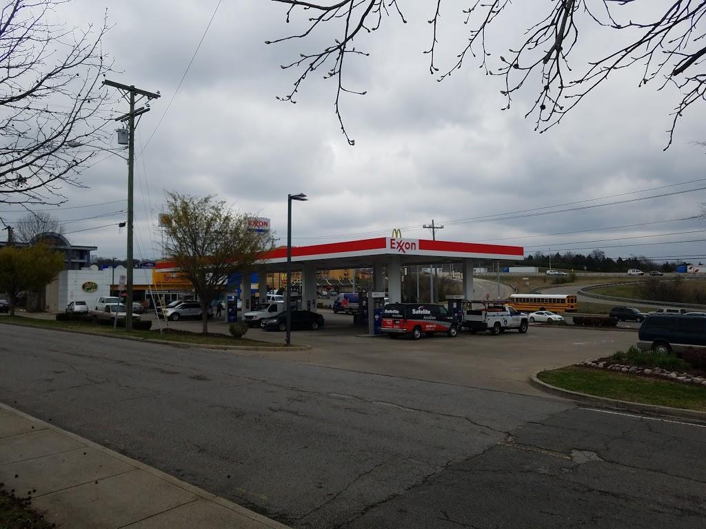 Tiger Mart - convenience store  | Photo 2 of 2 | Address: 2200 Brick Church Pike, Nashville, TN 37207, USA | Phone: (615) 258-2882