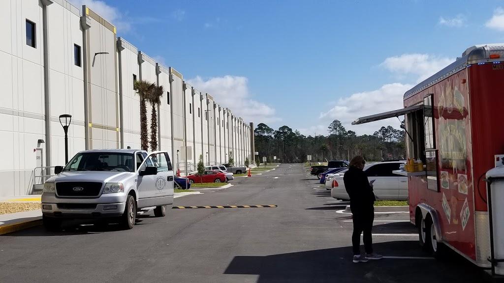 Amazon Fulfilment Center - storage  | Photo 2 of 10 | Address: 32210, 13333 103rd St, Jacksonville, FL 32221, USA | Phone: (855) 440-7663