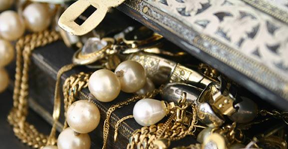 Gold Guys Woodbury - jewelry store  | Photo 7 of 10 | Address: 9220 Hudson Rd #710, Woodbury, MN 55125, USA | Phone: (651) 714-9200