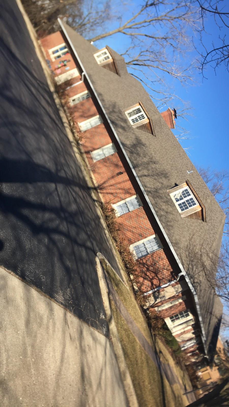 Berry Scuba & Swim School - travel agency  | Photo 6 of 10 | Address: 200 Northfield Rd, Northfield, IL 60093, USA | Phone: (847) 827-3100