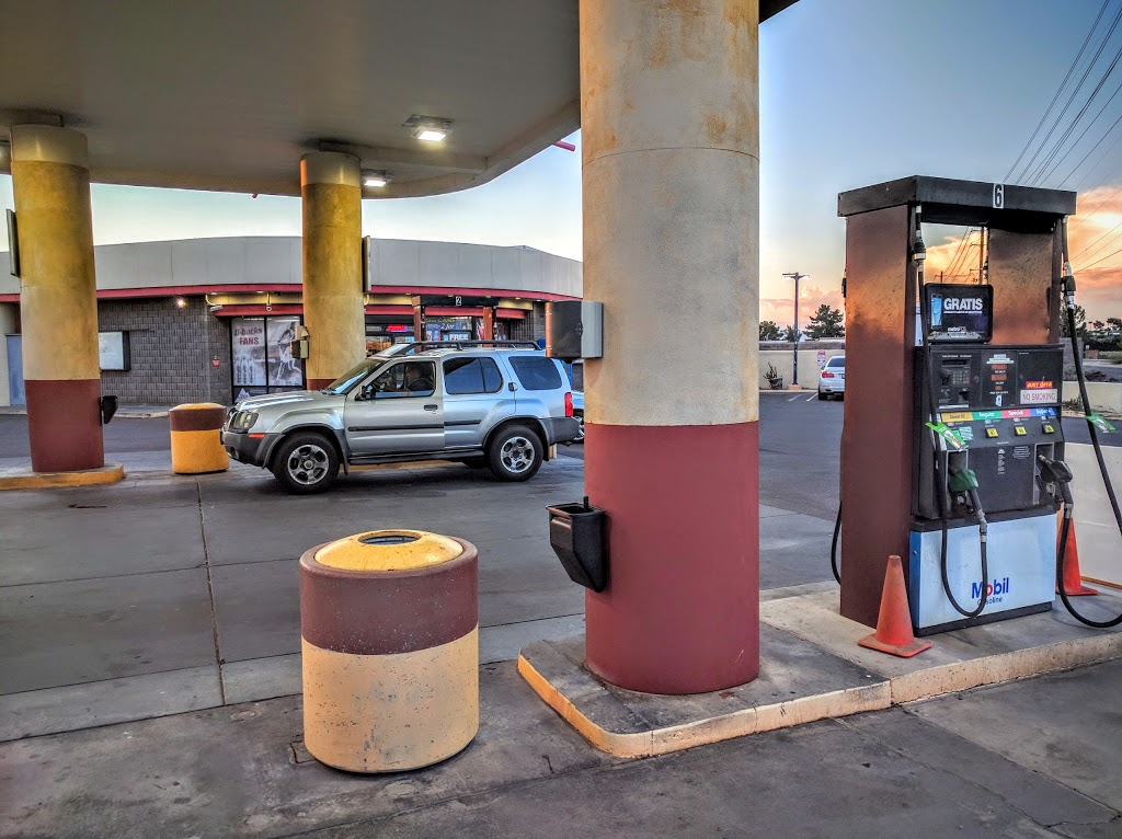 Mobil - gas station  | Photo 2 of 9 | Address: 304 N Hayden Rd, Scottsdale, AZ 85257, USA | Phone: (480) 429-1144