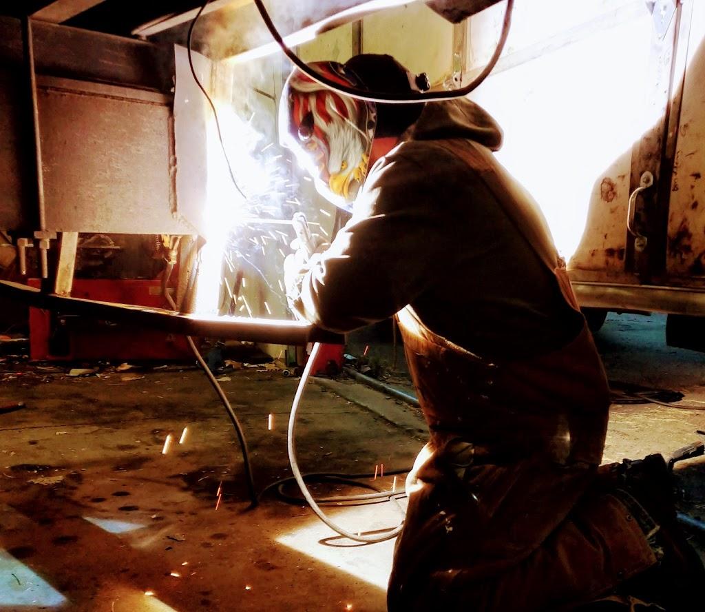 Kansas City Truck Repair - car repair  | Photo 3 of 8 | Address: 1516 N 13th St, Kansas City, KS 66102, USA | Phone: (816) 645-5168