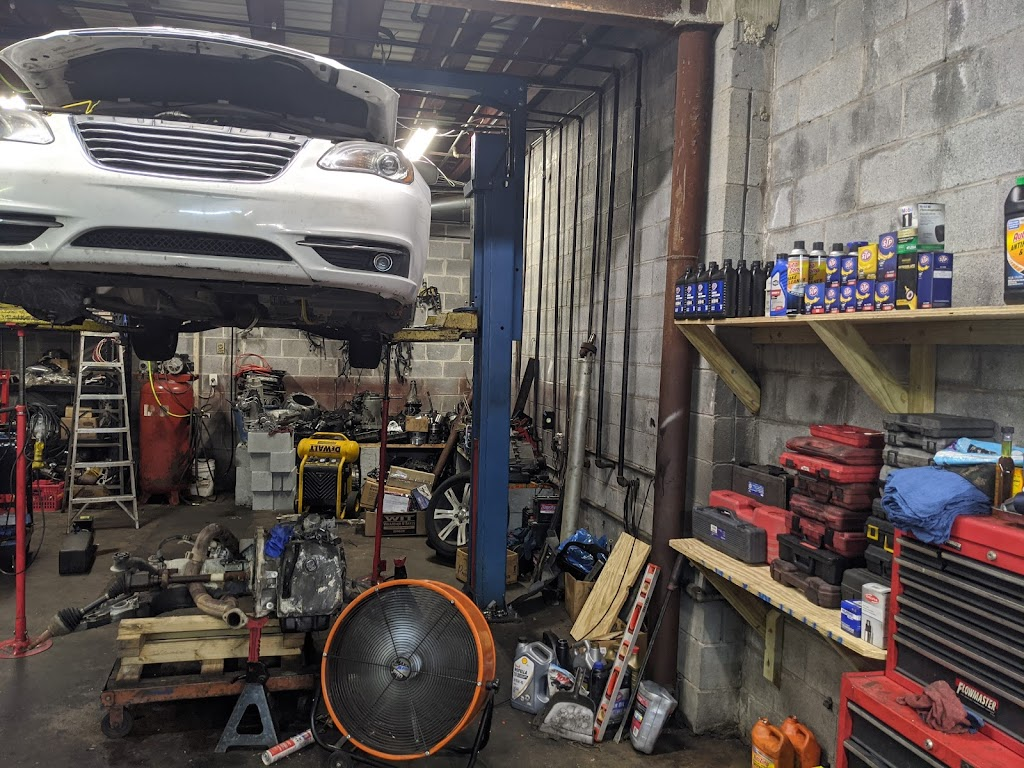 J&N Transmission & Auto Repair - car repair    Photo 4 of 6   Address: 6030 GA-85 #304, Riverdale, GA 30274, USA   Phone: (678) 961-7209