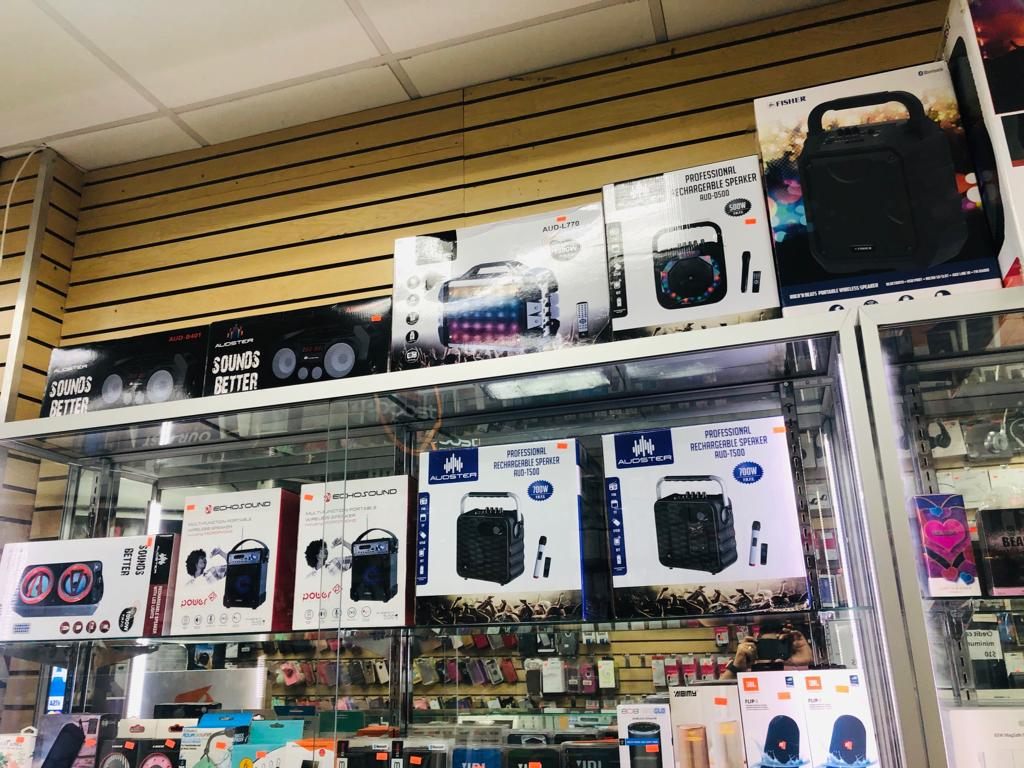 Unlimited 4 - electronics store  | Photo 5 of 9 | Address: 3507 White Plains Rd, Bronx, NY 10467, USA | Phone: (718) 325-2555