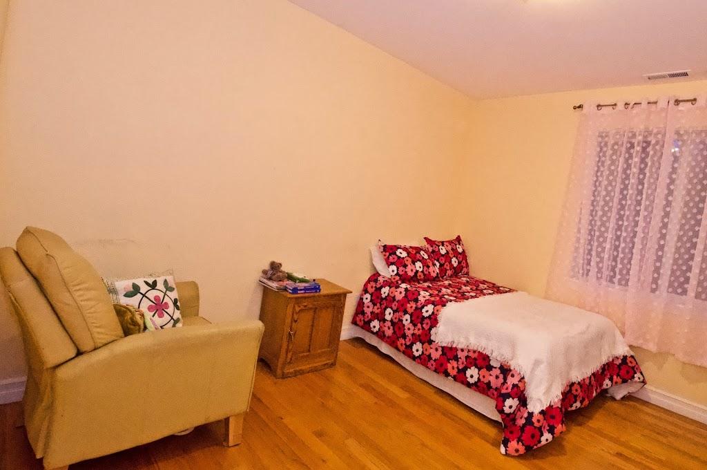 Novelty Hill Adult Family Home - health  | Photo 7 of 10 | Address: 18446 NE 95th St, Redmond, WA 98052, USA | Phone: (206) 941-4122