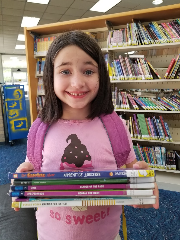 Arlington Public Library - Lake Arlington Branch - library  | Photo 5 of 7 | Address: 4000 W Green Oaks Blvd, Arlington, TX 76016, USA | Phone: (817) 459-6900