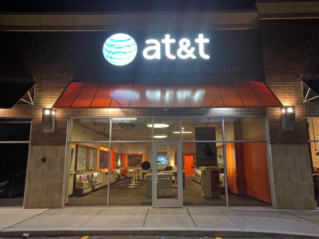 AT&T Store - store  | Photo 4 of 7 | Address: 30223 Mound Rd, Warren, MI 48092, USA | Phone: (586) 751-0900