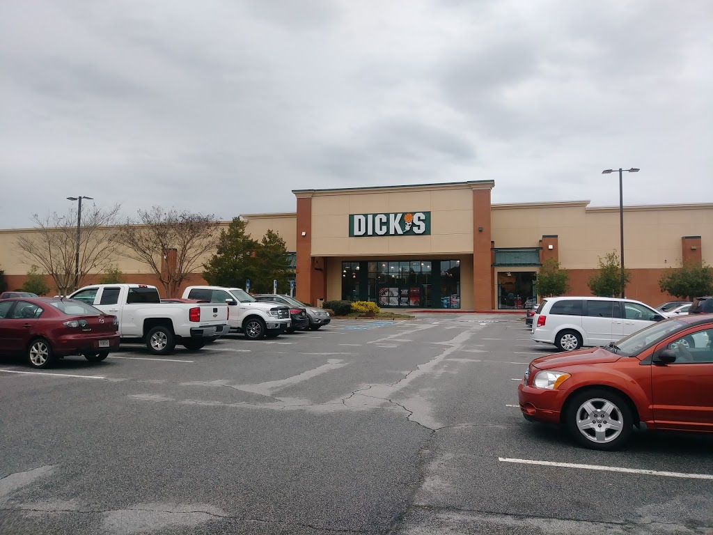 DICKS Sporting Goods - shoe store  | Photo 4 of 10 | Address: 305 A Pavilion Pkwy, Fayetteville, GA 30214, USA | Phone: (678) 817-0676