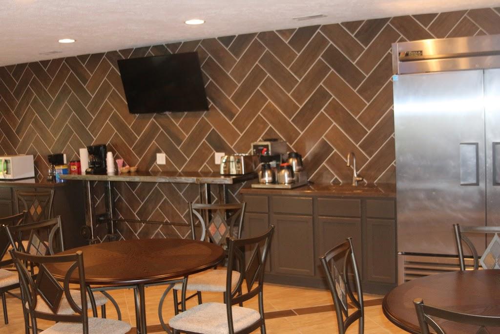 Inn Glenwood, LLC d/b/a/ HOTEL ARTHUR - lodging    Photo 6 of 10   Address: 707 S Locust St, Glenwood, IA 51534, USA   Phone: (712) 527-3175