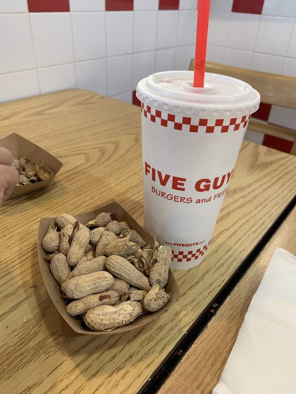 Five Guys - meal takeaway  | Photo 5 of 10 | Address: 4821 New Broad St, Orlando, FL 32814, USA | Phone: (407) 219-3366