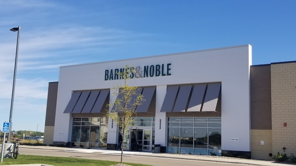 Barnes & Noble - book store  | Photo 4 of 10 | Address: 375 Radio Dr, Woodbury, MN 55125, USA | Phone: (763) 204-7344