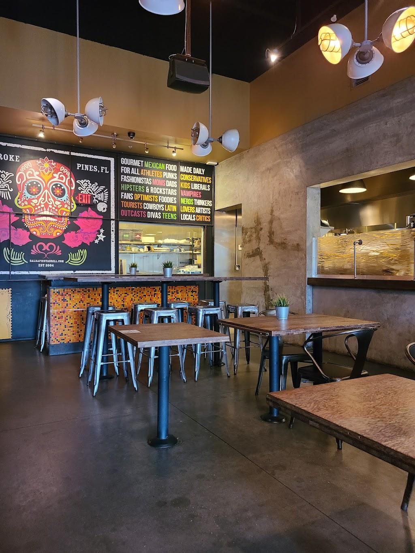 Salsa Fiesta - restaurant  | Photo 3 of 10 | Address: Cobblestone Plaza, 14914 Pines Blvd, Pembroke Pines, FL 33027, USA | Phone: (954) 432-0005