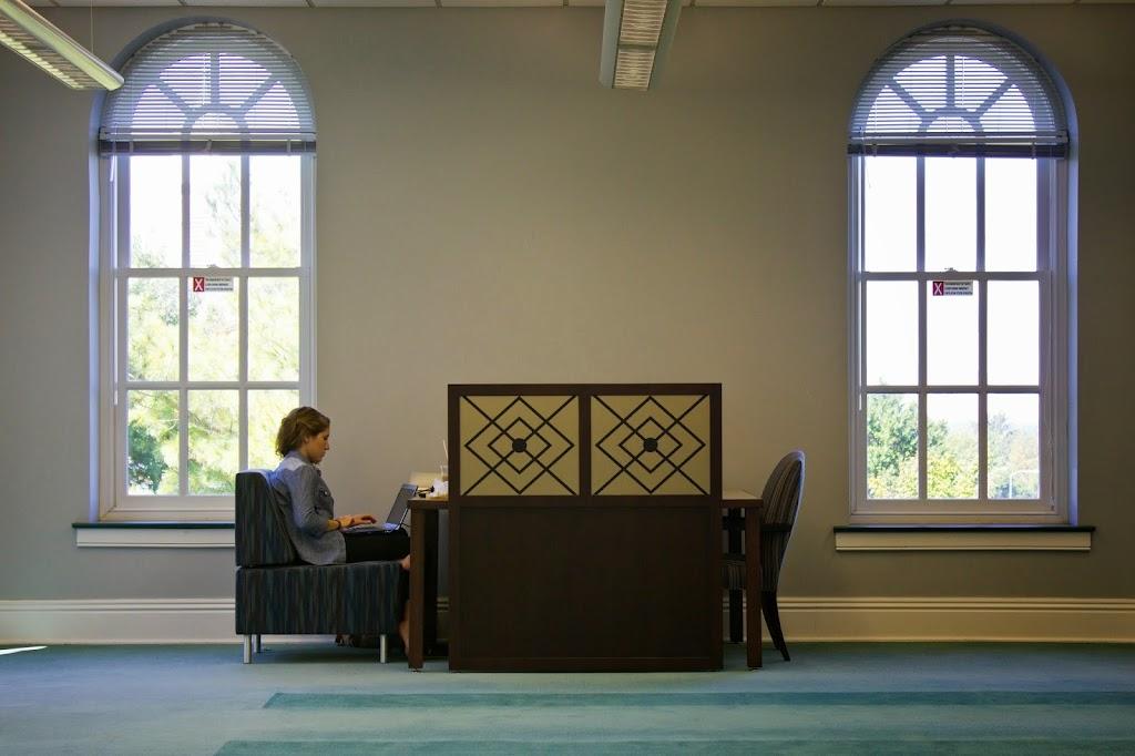 Eastern Kentucky University Libraries - library  | Photo 7 of 10 | Address: 583 University Dr, Richmond, KY 40475, USA | Phone: (859) 622-1790