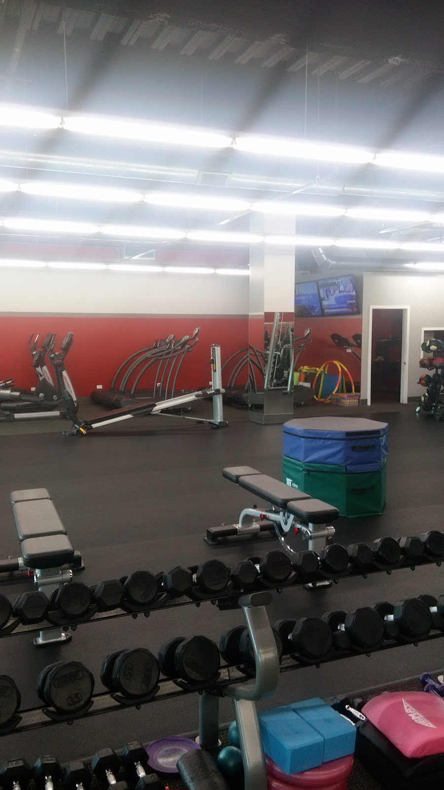 Revive Fitness - gym  | Photo 2 of 8 | Address: 2724 Dundee Rd #1, Northbrook, IL 60062, USA | Phone: (847) 780-4421