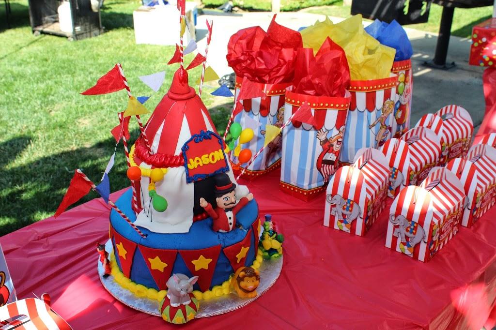 Las Tres Princesas Bakery - bakery  | Photo 1 of 7 | Address: 2736 N Bristol St, Santa Ana, CA 92706, USA | Phone: (714) 542-2131