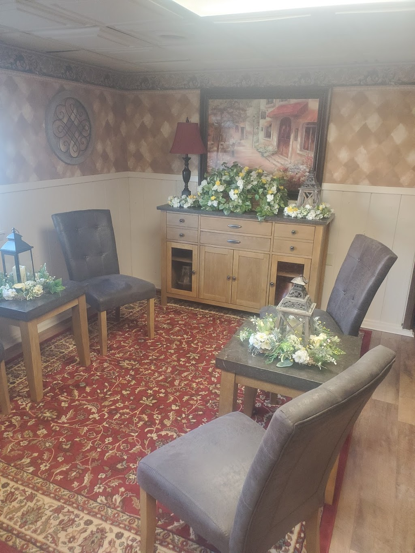 Delfini Room - restaurant  | Photo 3 of 6 | Address: 570 Pike St, Meadowlands, PA 15347, USA | Phone: (724) 222-2060