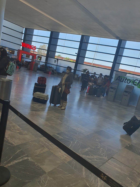Volaris - travel agency    Photo 4 of 10   Address: Aeropuerto, Aeropuerto Abelardo L. Rodriguez, 22435 Tijuana, B.C., Mexico   Phone: 55 1102 8000