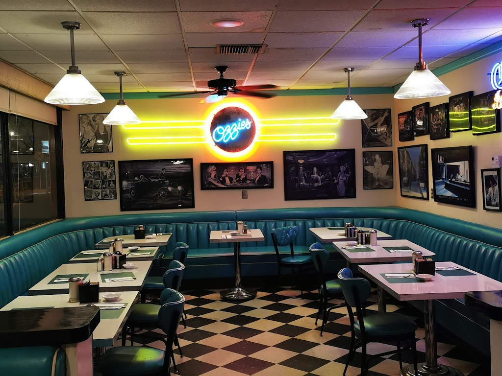 Ozzies Diner - restaurant  | Photo 5 of 10 | Address: 7780 E, Slauson Ave, Commerce, CA 90040, USA | Phone: (323) 477-1933