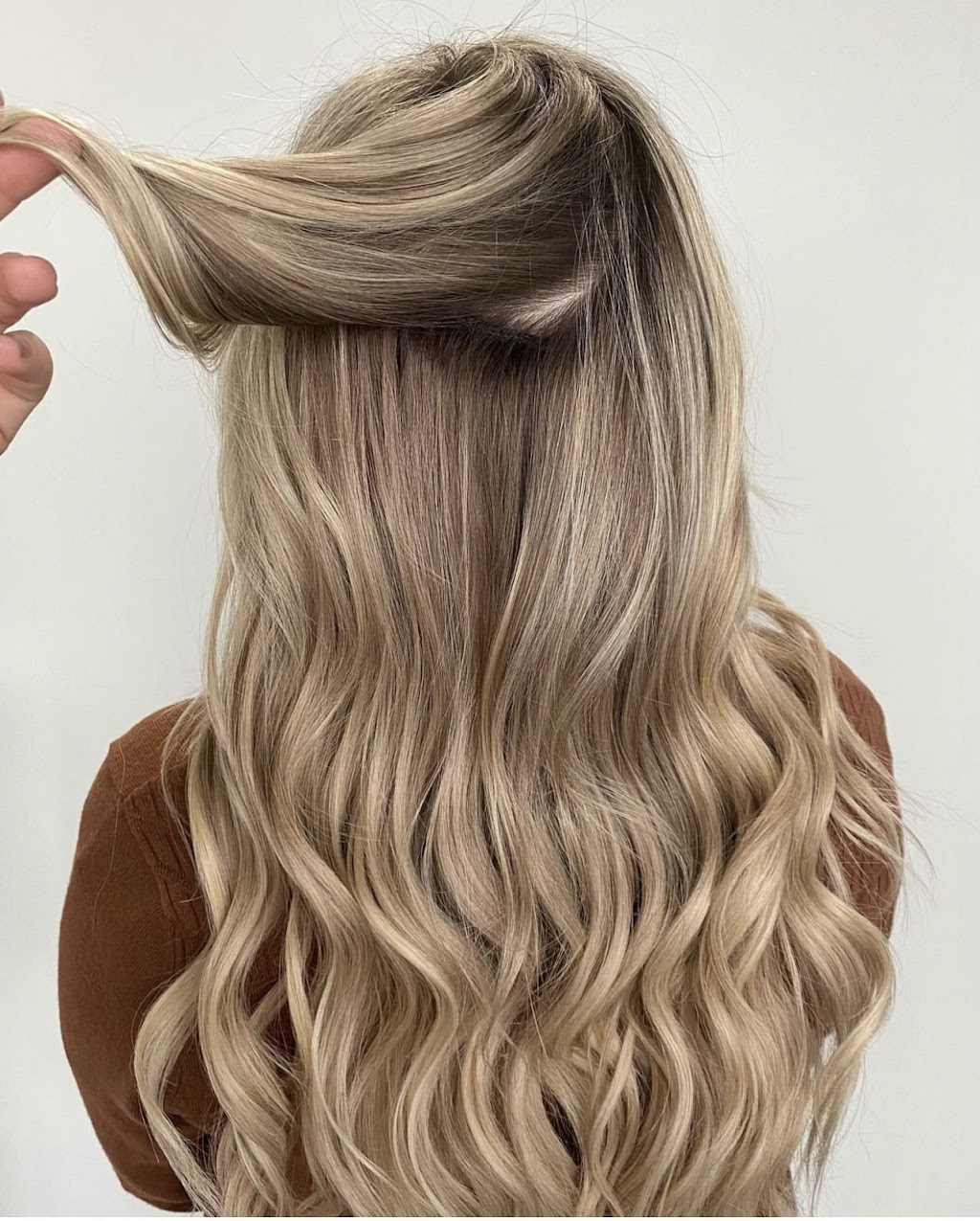 Evolve Simply Beauty - hair care    Photo 2 of 10   Address: 4590 N Maize Rd #8, Maize, KS 67101, USA   Phone: (316) 927-2400