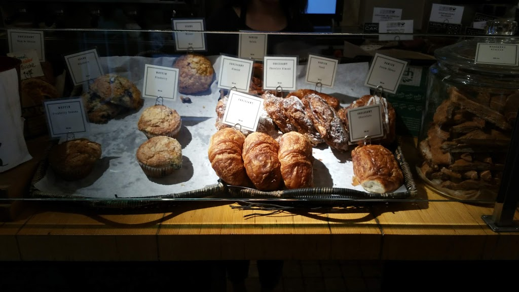 Manhattan Espresso Cafe - bakery  | Photo 4 of 10 | Address: 146 E 49th St, New York, NY 10017, USA | Phone: (212) 832-3010