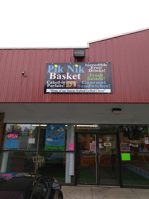 PIK NIK BASKET - restaurant  | Photo 1 of 10 | Address: 8511 W Nine Mile Rd, Oak Park, MI 48237, USA | Phone: (248) 268-4132