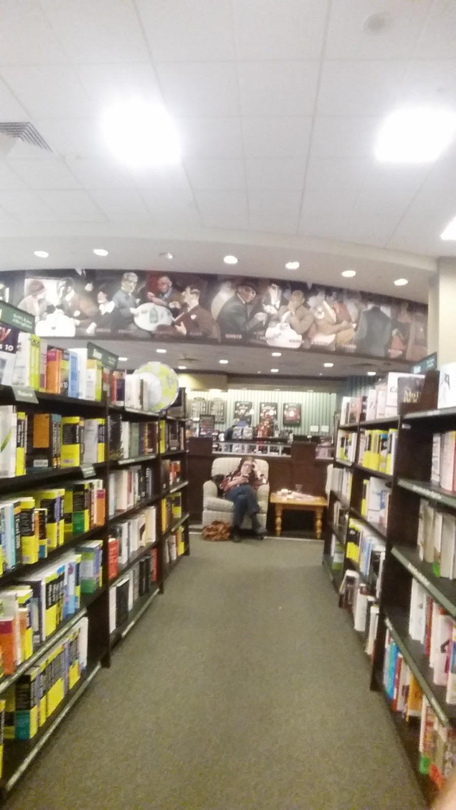 Barnes & Noble - book store    Photo 2 of 10   Address: Patton Creek Shopping Center, 171 Main St, Hoover, AL 35244, USA   Phone: (205) 682-4467