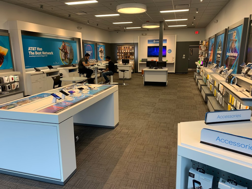 AT&T Store - store  | Photo 2 of 7 | Address: 30223 Mound Rd, Warren, MI 48092, USA | Phone: (586) 751-0900