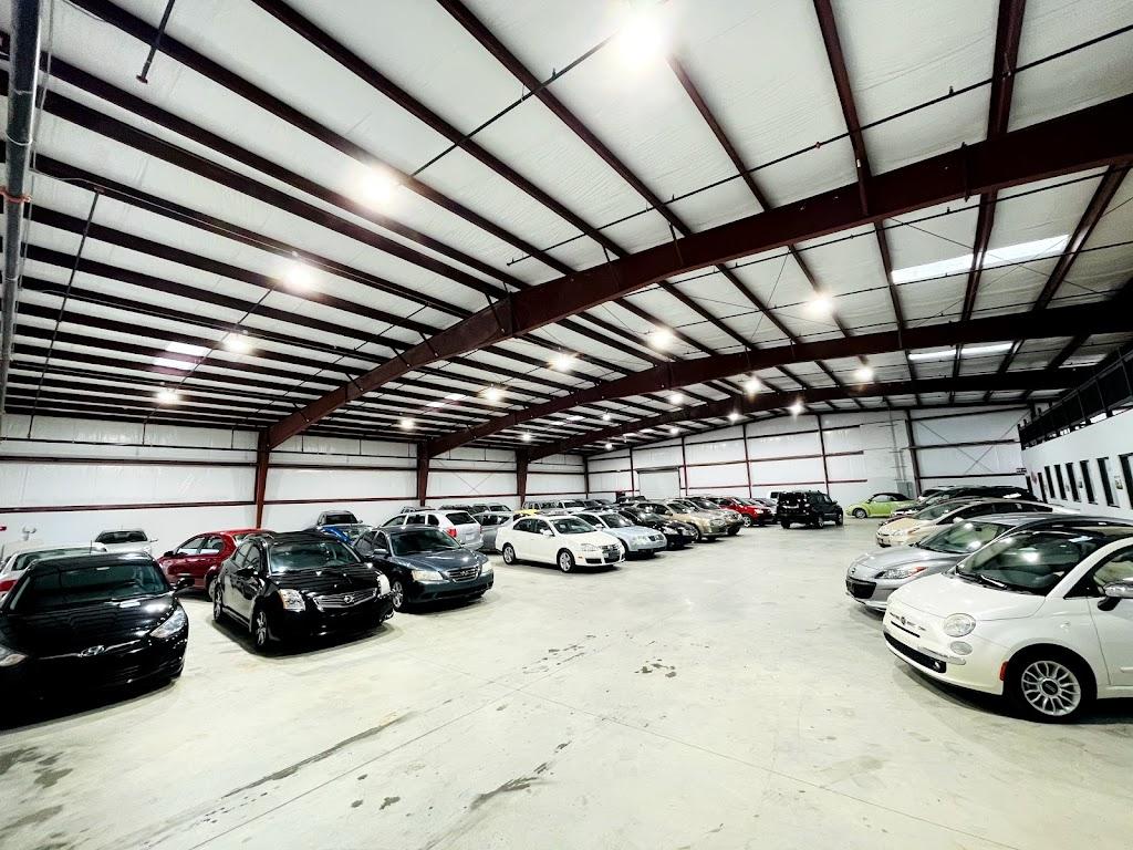Texas Drive Auto Dealer - car dealer  | Photo 7 of 10 | Address: 10511 Olympic Dr, Dallas, TX 75220, USA | Phone: (214) 272-3098