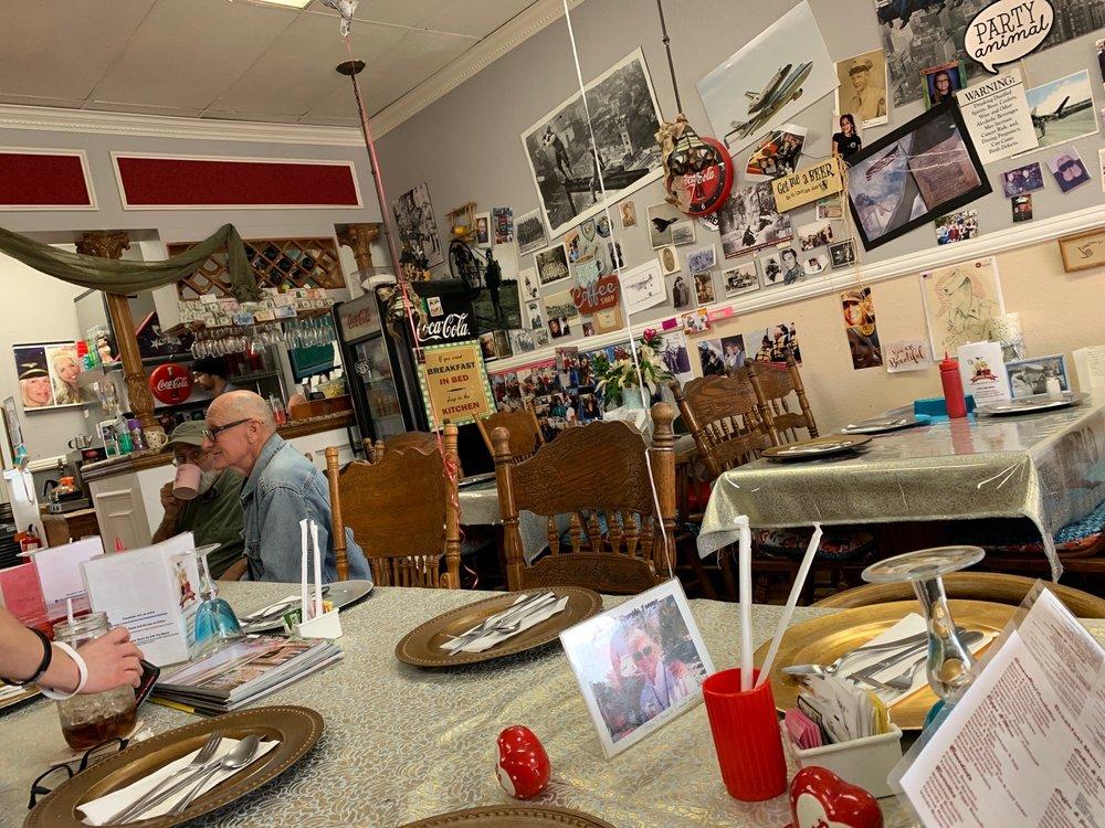 Laguna Cafe - cafe  | Photo 3 of 10 | Address: 24310 Moulton Pkwy, Laguna Woods, CA 92637, USA | Phone: (949) 380-0465