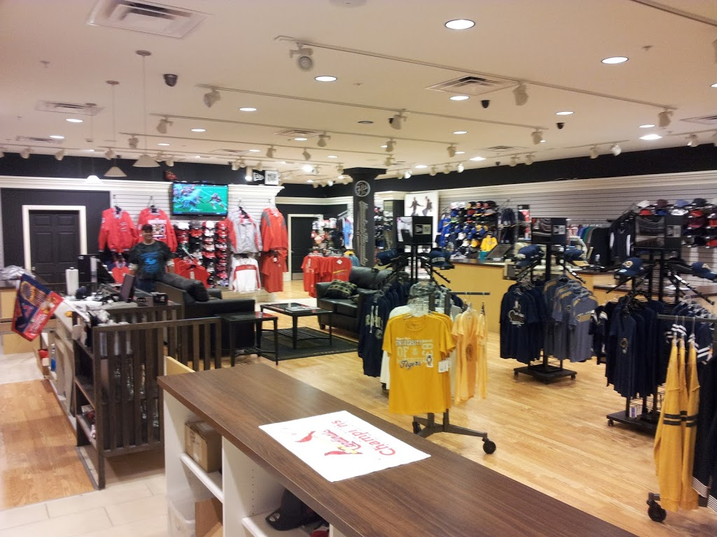 Headz N Threadz - clothing store  | Photo 2 of 10 | Address: 1065 Regency Pkwy, St Charles, MO 63303, USA | Phone: (314) 528-8100