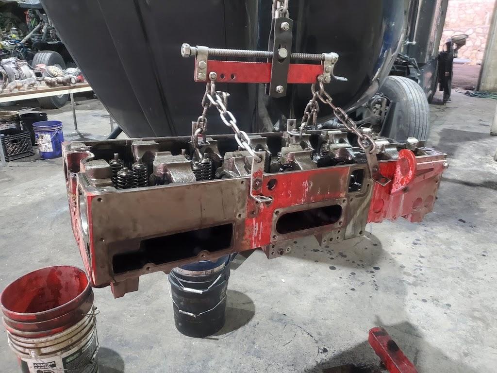 Saucedos Truck Repair - car repair  | Photo 4 of 10 | Address: 700 Peyton Rd building A, El Paso, TX 79928, USA | Phone: (915) 315-9624