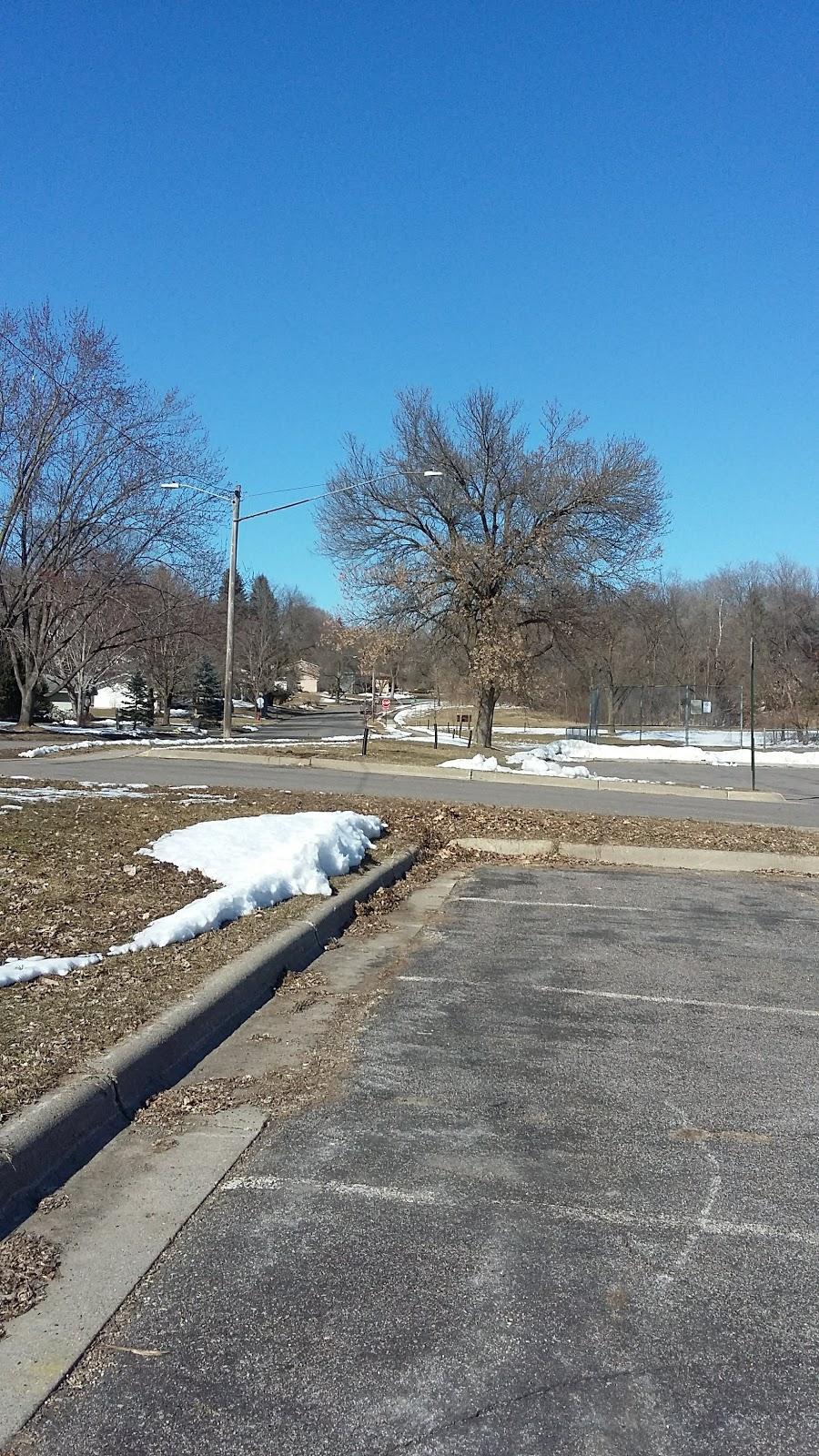 Southglen Park Rink - park  | Photo 4 of 10 | Address: 10701 Rich Ave S, Bloomington, MN 55437, USA | Phone: (952) 563-8878