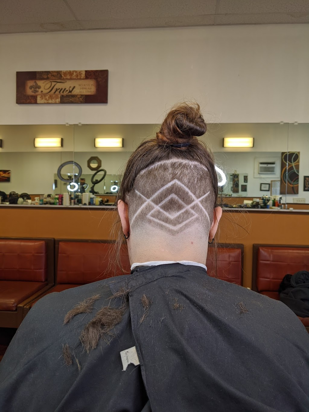 Masters Touch Barbershop LLC - hair care  | Photo 4 of 6 | Address: 31120 Vine St, Willowick, OH 44095, USA | Phone: (216) 298-3993