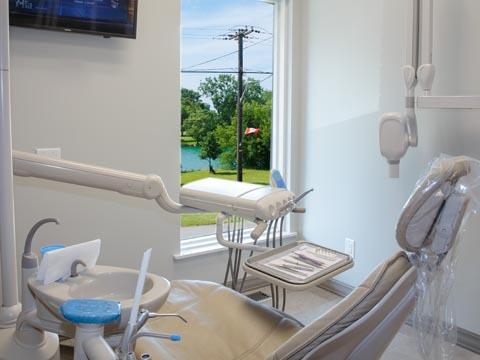 Creekside Family Dental Care - Dr. Elke Krach - dentist  | Photo 3 of 5 | Address: 3989 Main St, Niagara Falls, ON L2G 6B9, Canada | Phone: (905) 295-3011