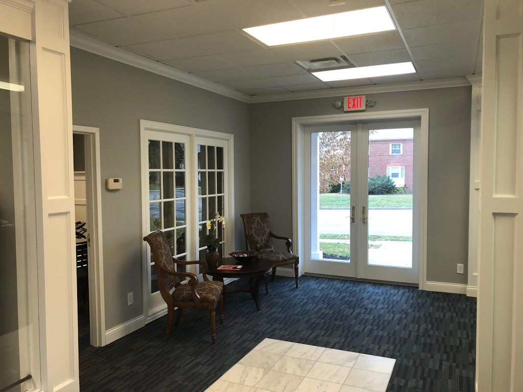 Royal Oak Financial Group -   | Photo 5 of 6 | Address: 5858 N High St Suite A, Worthington, OH 43085, USA | Phone: (614) 842-6090