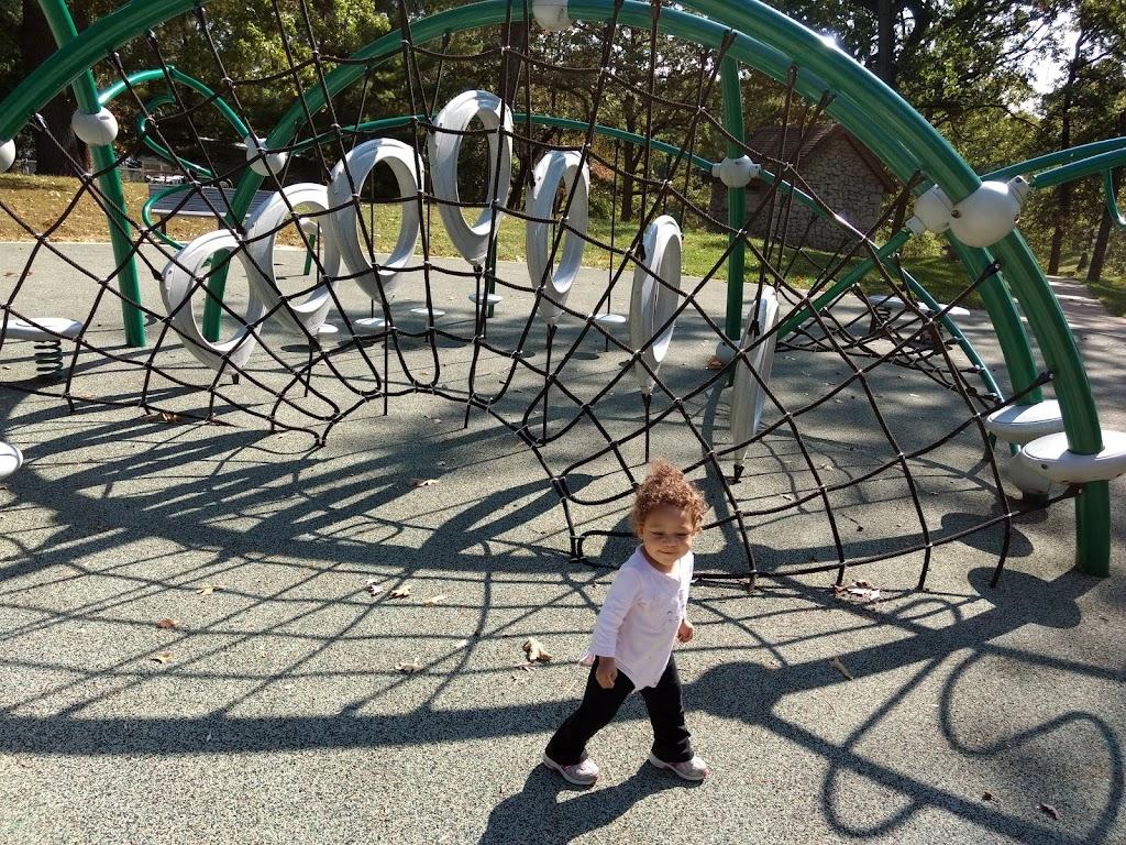 Tilles Park - park  | Photo 10 of 10 | Address: 9551 Litzsinger Rd, St. Louis, MO 63124, USA | Phone: (314) 615-4386
