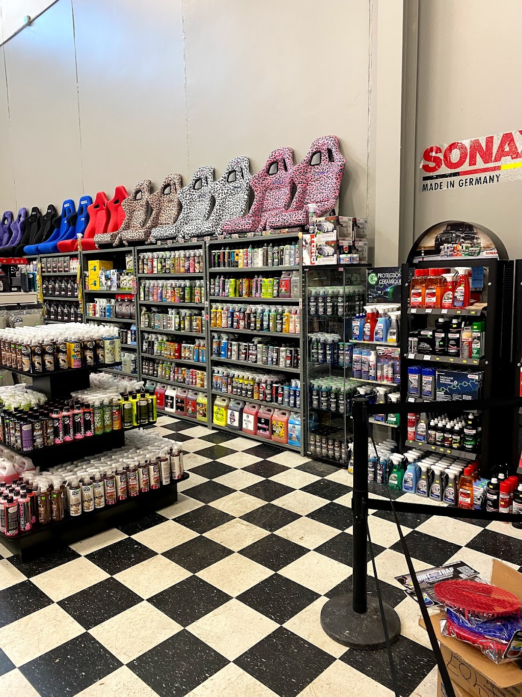 Automotive Warehouse Auto Parts & Accesories - car repair  | Photo 8 of 10 | Address: 343 Airport Rd, Niagara-on-the-Lake, ON L0S 1J0, Canada | Phone: (905) 682-1711