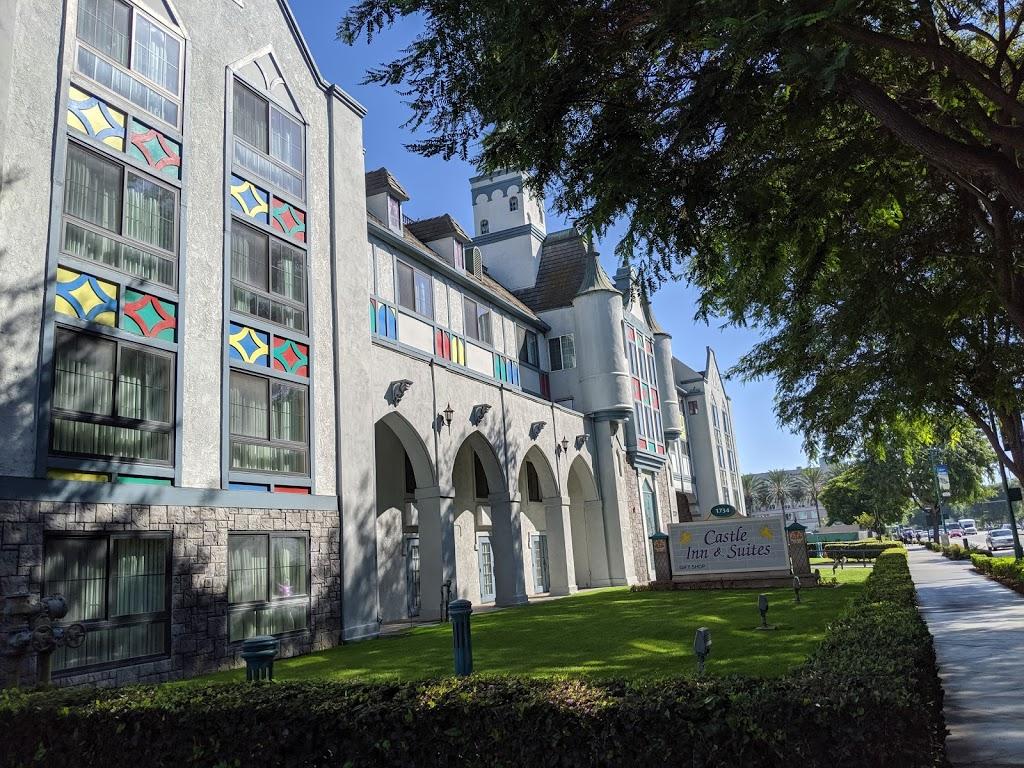 Castle Inn & Suites - lodging  | Photo 10 of 10 | Address: 1734 S Harbor Blvd, Anaheim, CA 92802, USA | Phone: (714) 774-8111