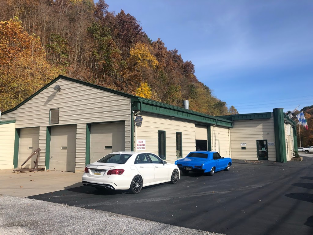Greater Pittsburgh Collision - car repair  | Photo 1 of 10 | Address: 124 Flaugherty Run Rd, Moon Twp, PA 15108, USA | Phone: (412) 264-3300