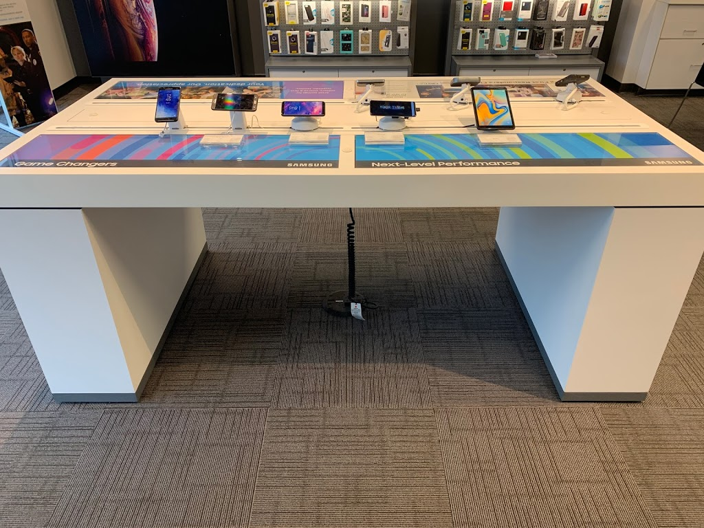 AT&T Store - store  | Photo 5 of 7 | Address: 30223 Mound Rd, Warren, MI 48092, USA | Phone: (586) 751-0900