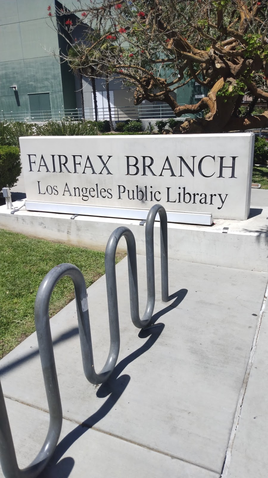 Fairfax Branch Library - library  | Photo 4 of 10 | Address: 161 S Gardner St, Los Angeles, CA 90036, USA | Phone: (323) 936-6191