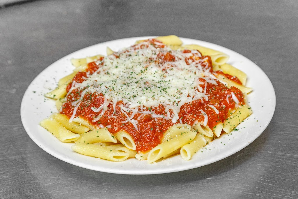 Cardello Pizza - meal delivery  | Photo 5 of 10 | Address: 261 Moon Clinton Rd, Moon Twp, PA 15108, USA | Phone: (412) 264-1000