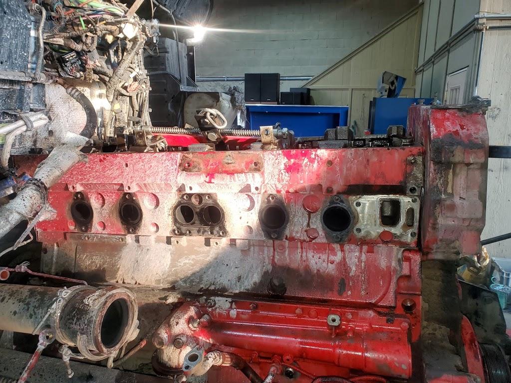 Saucedos Truck Repair - car repair  | Photo 2 of 10 | Address: 700 Peyton Rd building A, El Paso, TX 79928, USA | Phone: (915) 315-9624