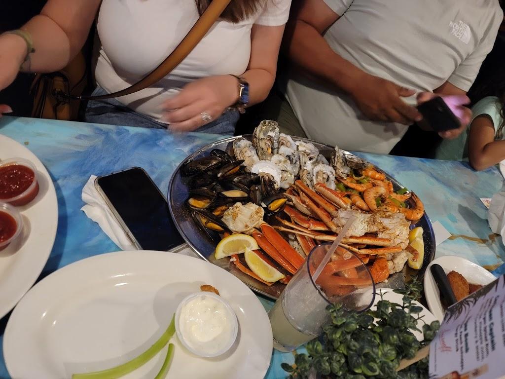 CP Shuckers Cafe & Raw Bar - restaurant  | Photo 10 of 10 | Address: 3232 Shore Dr, Virginia Beach, VA 23451, USA | Phone: (757) 412-2929