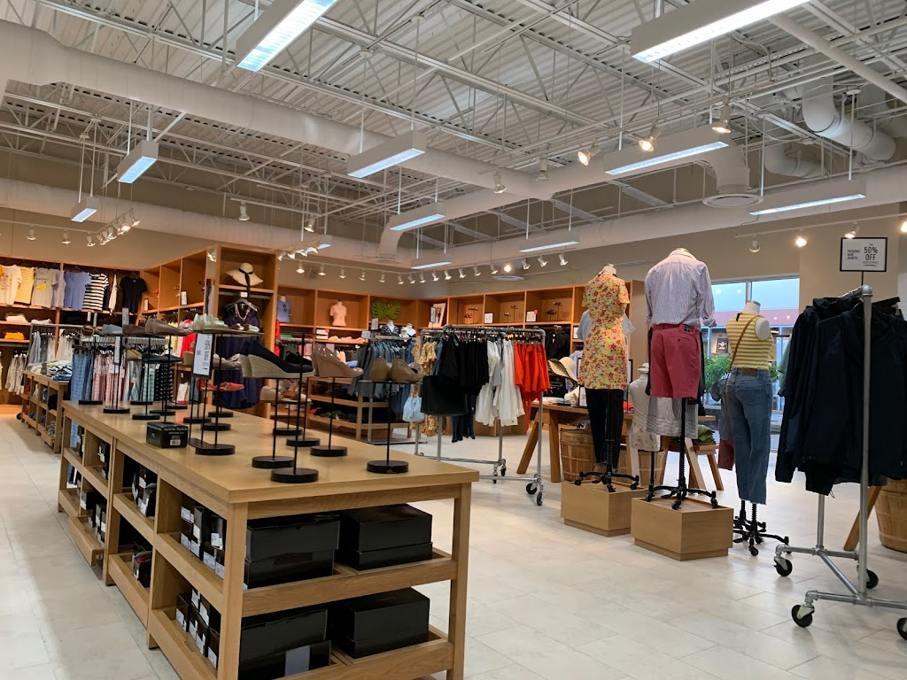 J.Crew Factory - clothing store    Photo 2 of 10   Address: 852 Premium Outlets Dr, Monroe, OH 45050, USA   Phone: (513) 539-8097