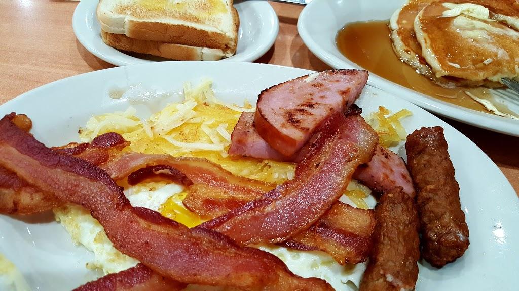 Freeway Cafe West - cafe    Photo 2 of 10   Address: 5849 S 49th W Ave, Tulsa, OK 74107, USA   Phone: (918) 292-8678
